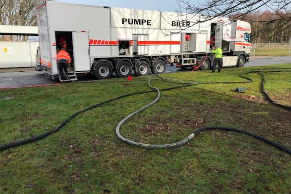 Beton pumpe bil til Fiberarmeret flydemørtel/tyndpuds